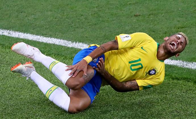 サッカー,ワールドカップ,ロシア大会,ブラジル,ネイマール,ネイマールチャレンジ,世界中,一大ブーム,南アフリカ,ケンタッキーフライドチキン,パロディーCM